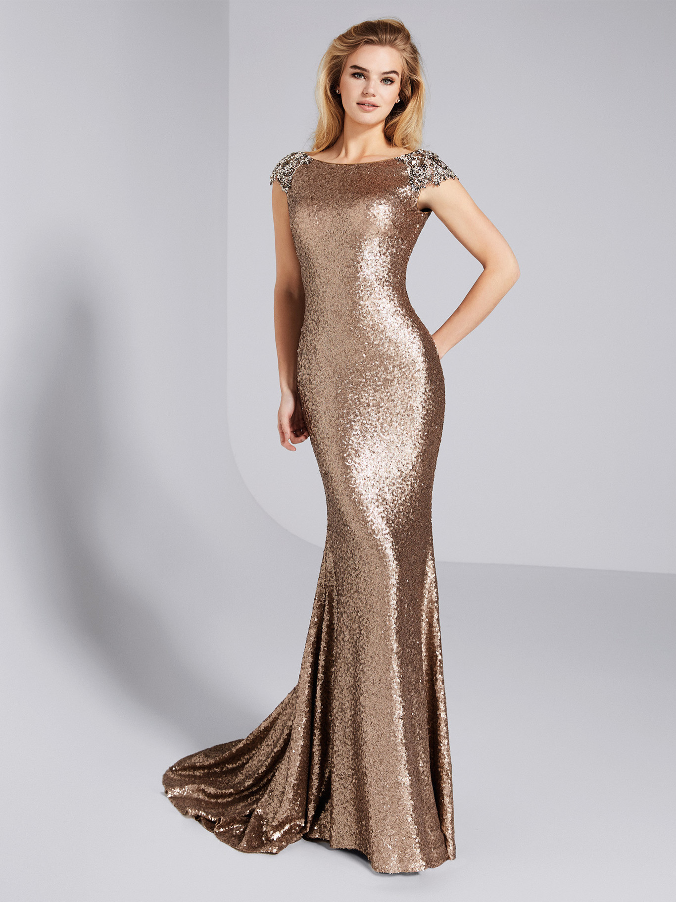 30507e0271eb 17 Christmas dresses that you will wear again at weddings - Today ...